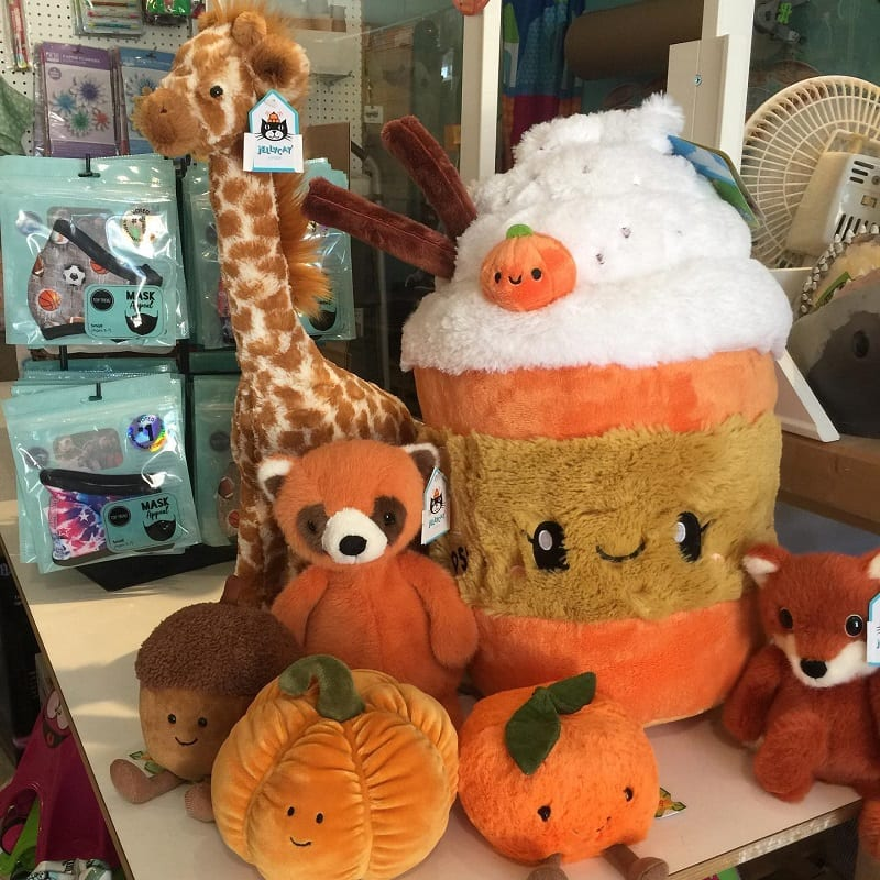 wonderland-stuffed-animals