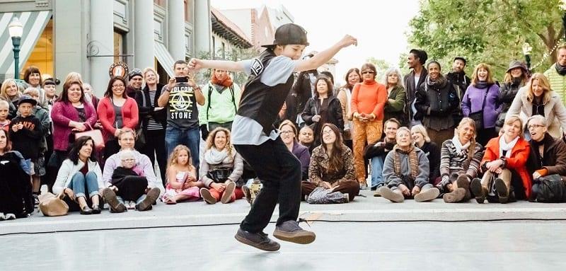 motion-pacific-boy-dancer